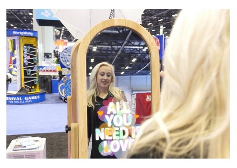 PHOTO-BOOTH MIRROR FOR RENT