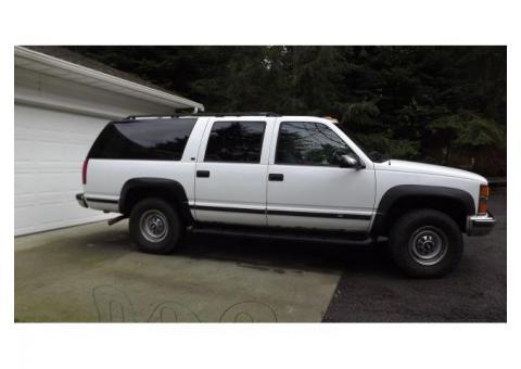 1999 Chevrolet Surburban 7.4 liter (454 cubic inch)4 Wheel Drive LT  K2500 3/4 ton