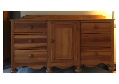 Rustic pine 6 piece bedroom set (Lexington)